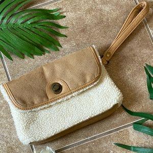 Handbags - ✨Cozy Clutch Purse